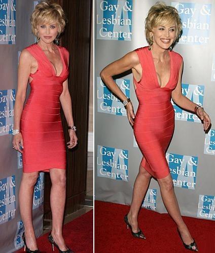 Бесспорно, актриса заметно похудела, но если бы все женщины старше пятидесяти лет могли позволить себе маленькое красное платье.